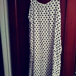 Cute Maxi Dress Size L ( Runs Small)